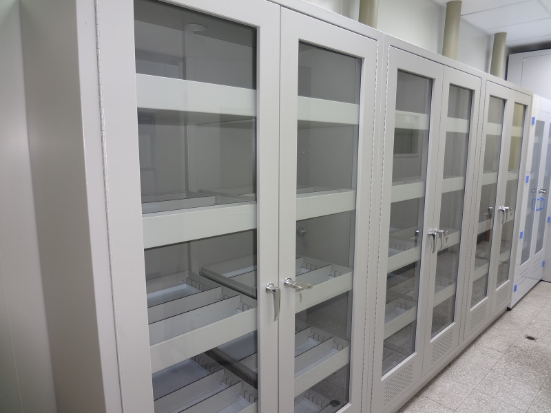 nctu_2_hall_solvent_cabinet_01
